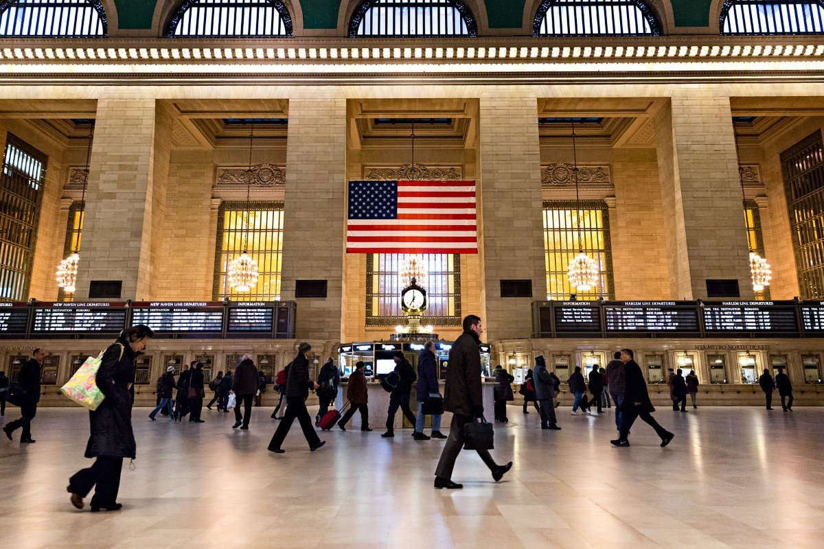 Pendolari che si recano al lavoro (07:00 AM). Grand Central Station - New York
