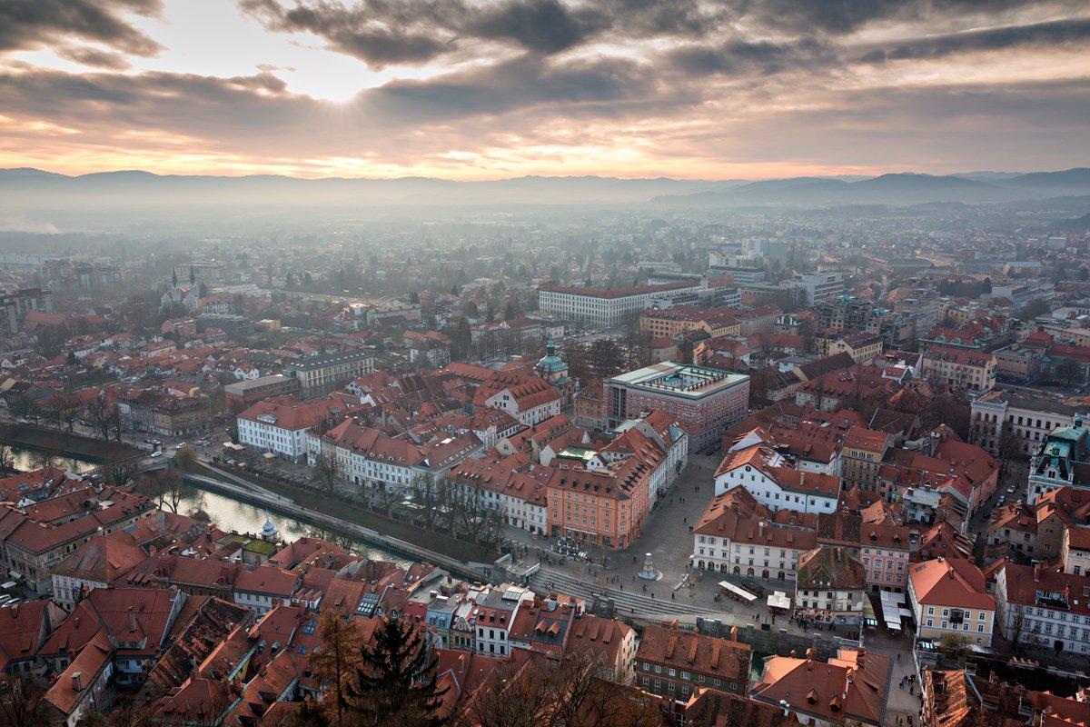 Il panorama al tramonto dal castello di Lubiana, Slovenia
