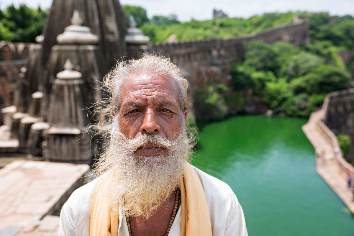 Un indiano sosia di Tiziano Terzani