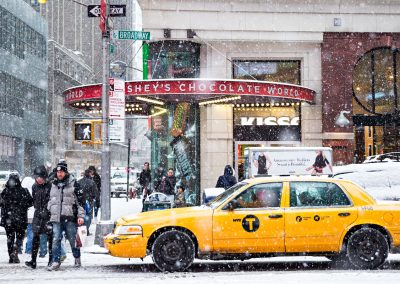 Taxi Neve Nevica New York Broadway Manhattan USA America